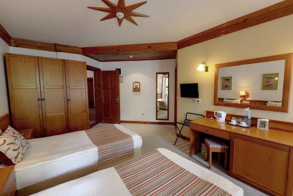 Standard Valley Room & Suite